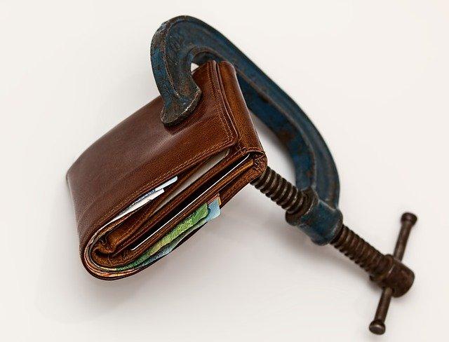 svěrák na peněžence.jpg