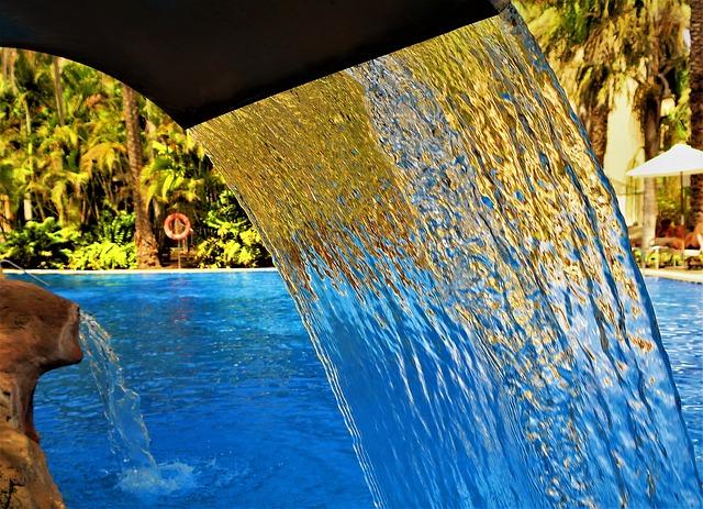 tekoucí voda