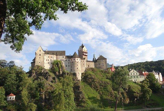 zachovalý hrad
